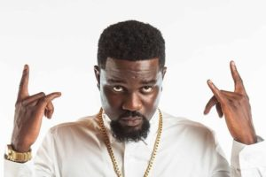 I'm Sorry! Sarkodie Publicly Begs for Yemi Alade's Forgiveness