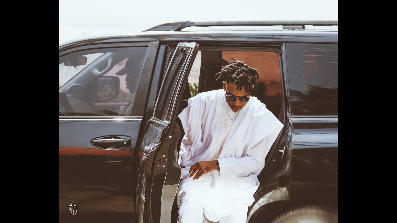 Mayorkun Buys A New Range Rover; Flaunts The Car On Social Media