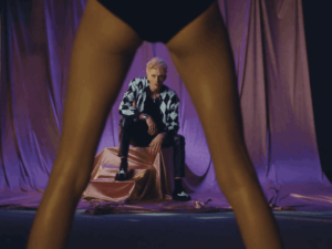 Video: Machine Gun Kelly - Why Are You Here