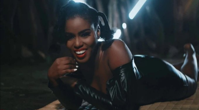 VIDEO: MzVee ft. Mugeez – Baddest Boss