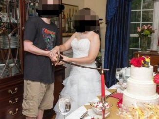 Man turns up in T-shirt and shorts for his wedding